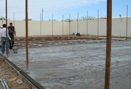 Construction of tennis courts in Novhanah